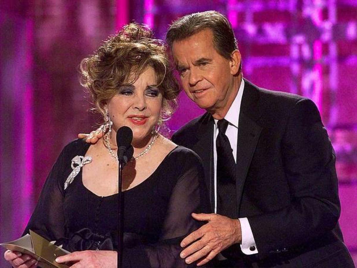 Elizabeth Taylor 2001 Golden Globes, awards show flubs