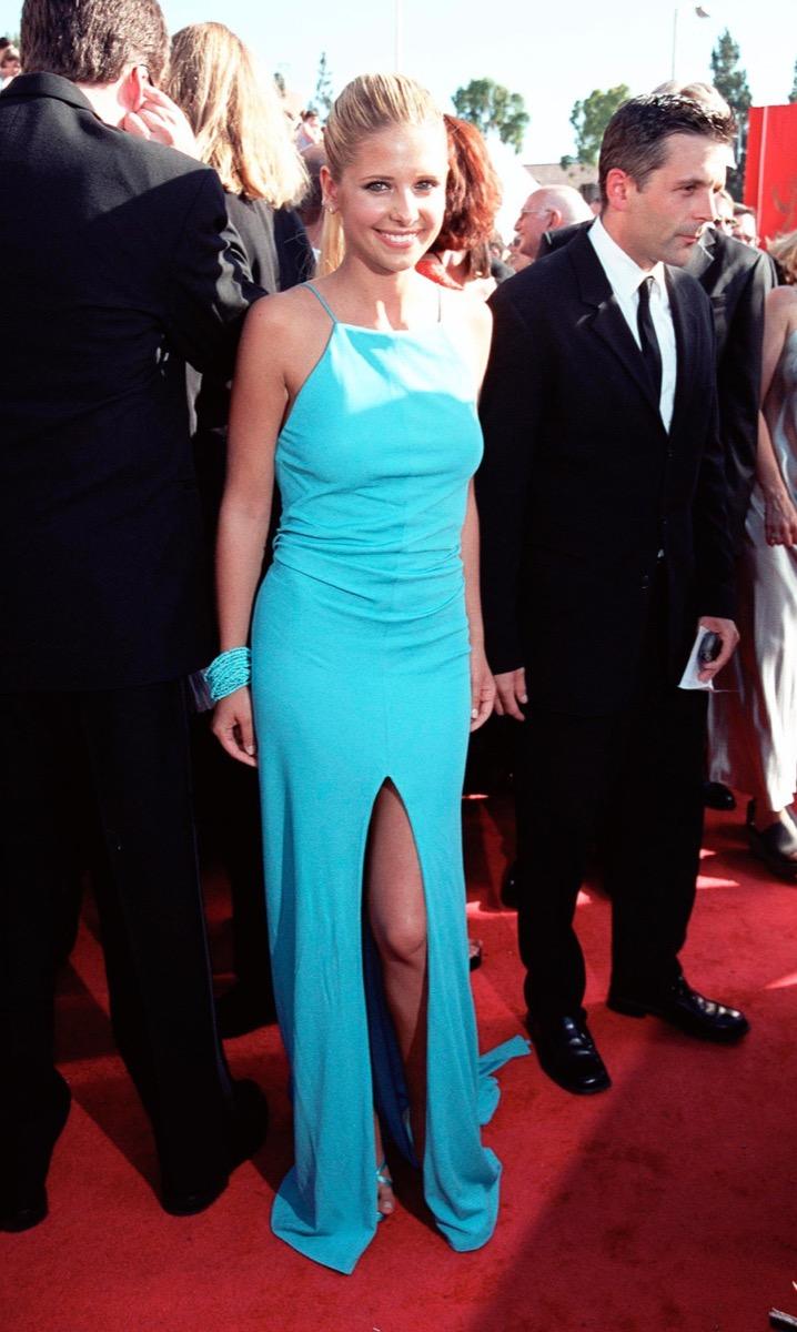 sarah michelle gellar at the 1999 emmy awards