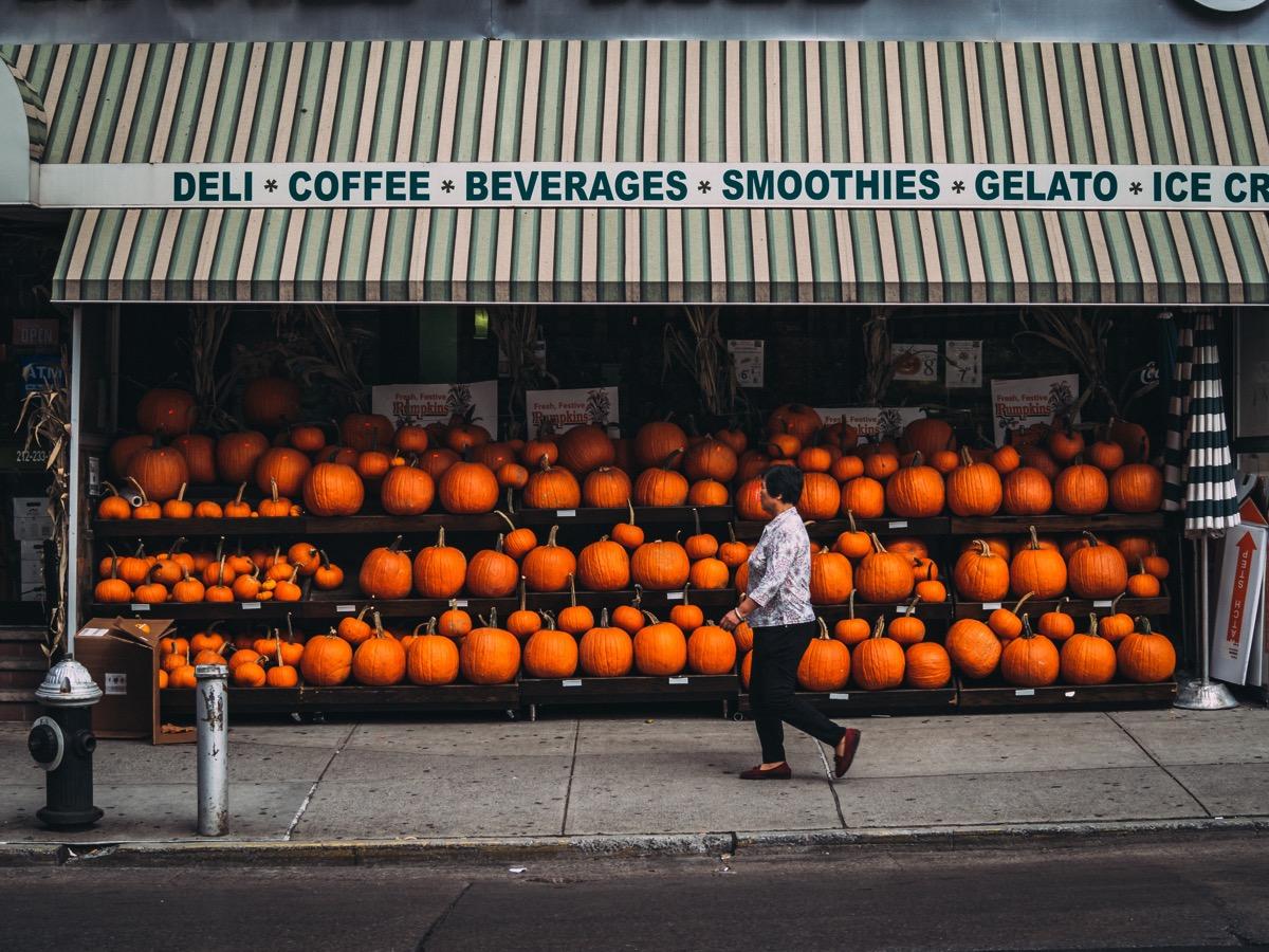 chinatown, NY pumpkin store