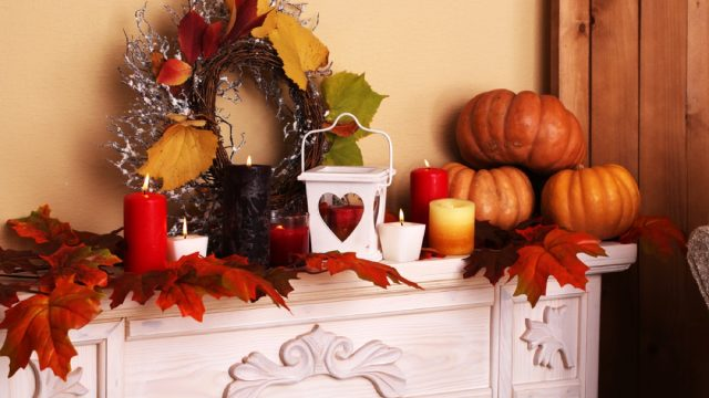 mantle with pumpkins and wreath, fall home decorations