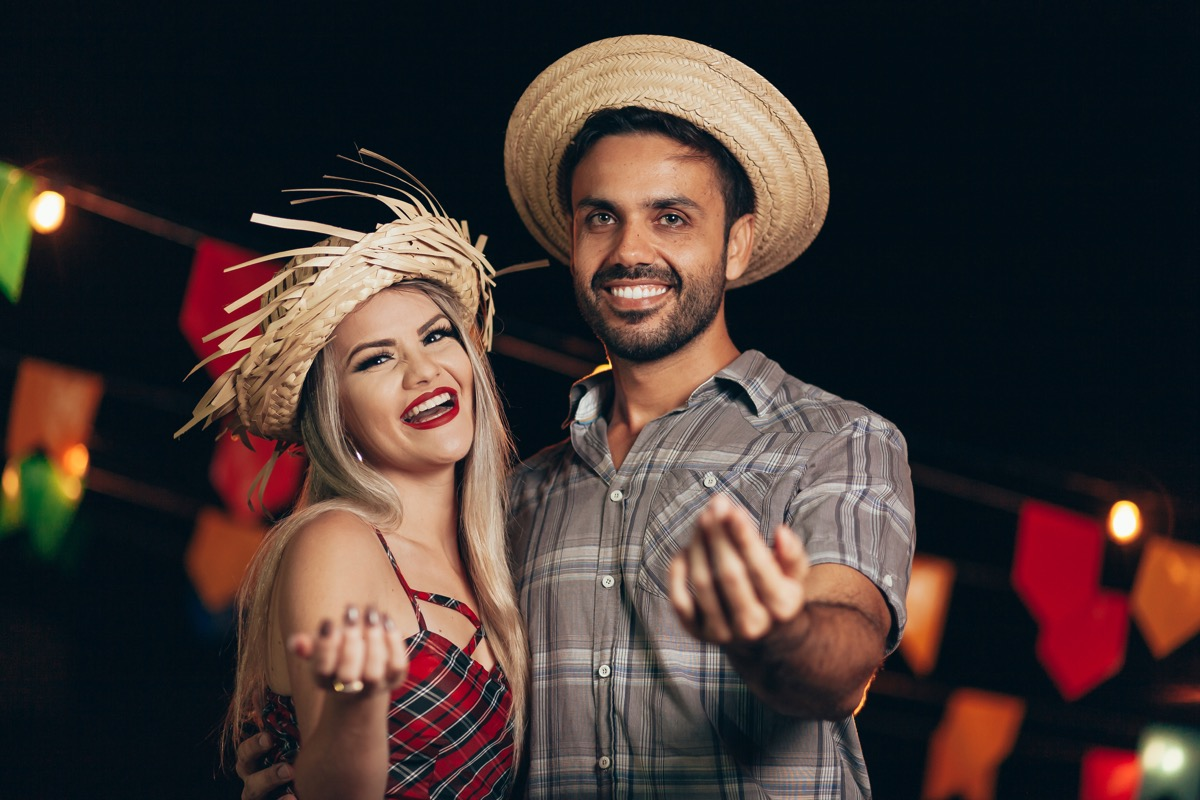 a man and a girl dressed up as farmers, diy halloween costumes