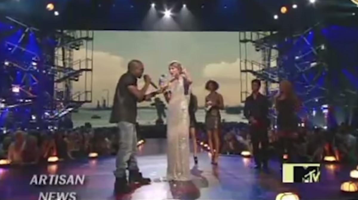 kanye interrupts taylor swift at the VMAs