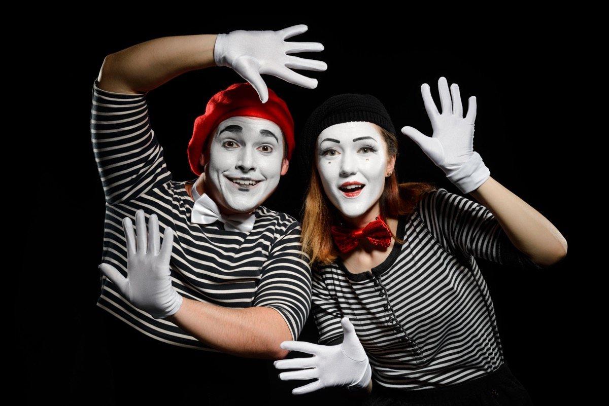 two people dressed up as mimes, diy halloween costumes