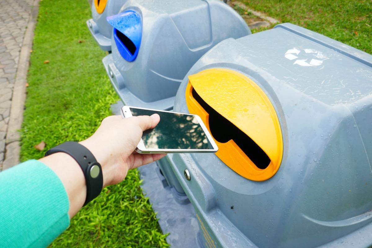recycling electronics