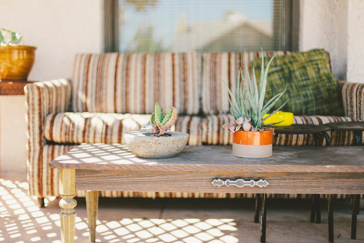 A repurposed coffee table Vintage Decor Trends