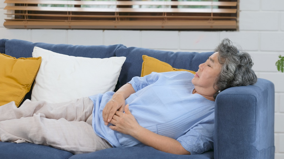 older woman taking a nap habits after 40