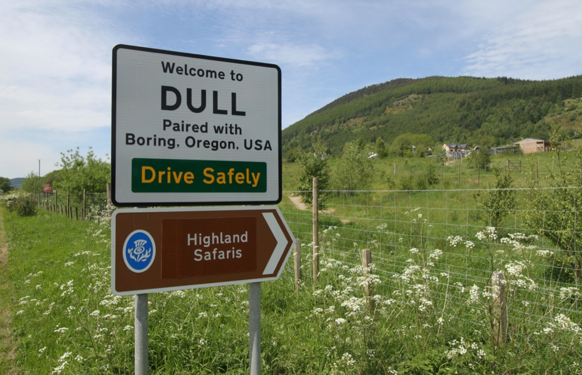 Sign in Dull, Scotland