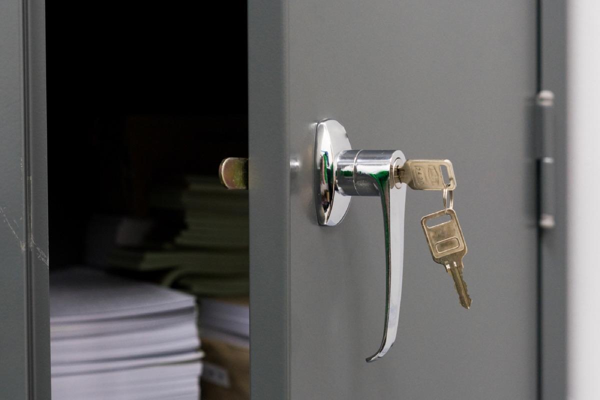 key in file cabinet lock