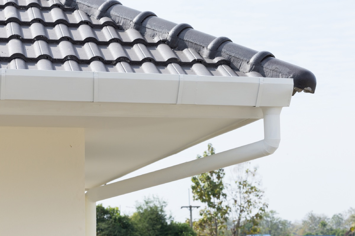 gutter and home with eaves