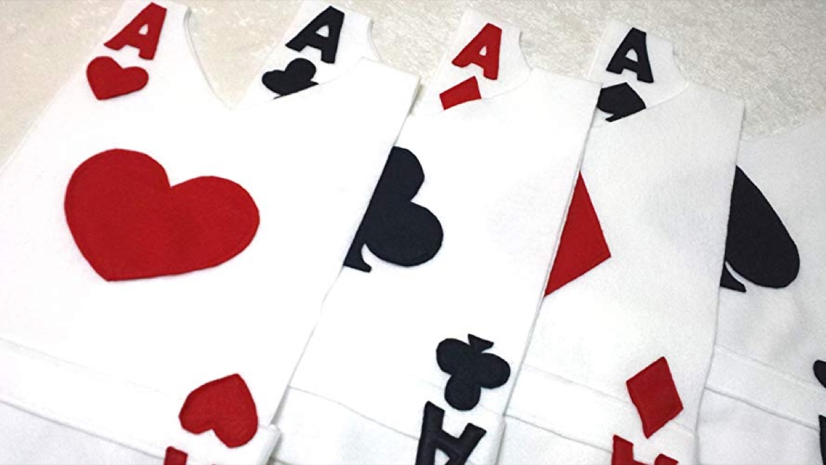 ace playing card costumes, family halloween costumes