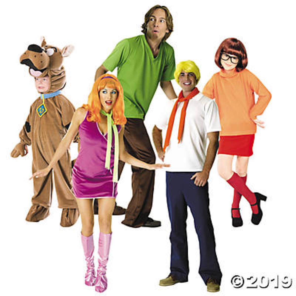 group dressed up as scooby doo characters, family halloween costumes