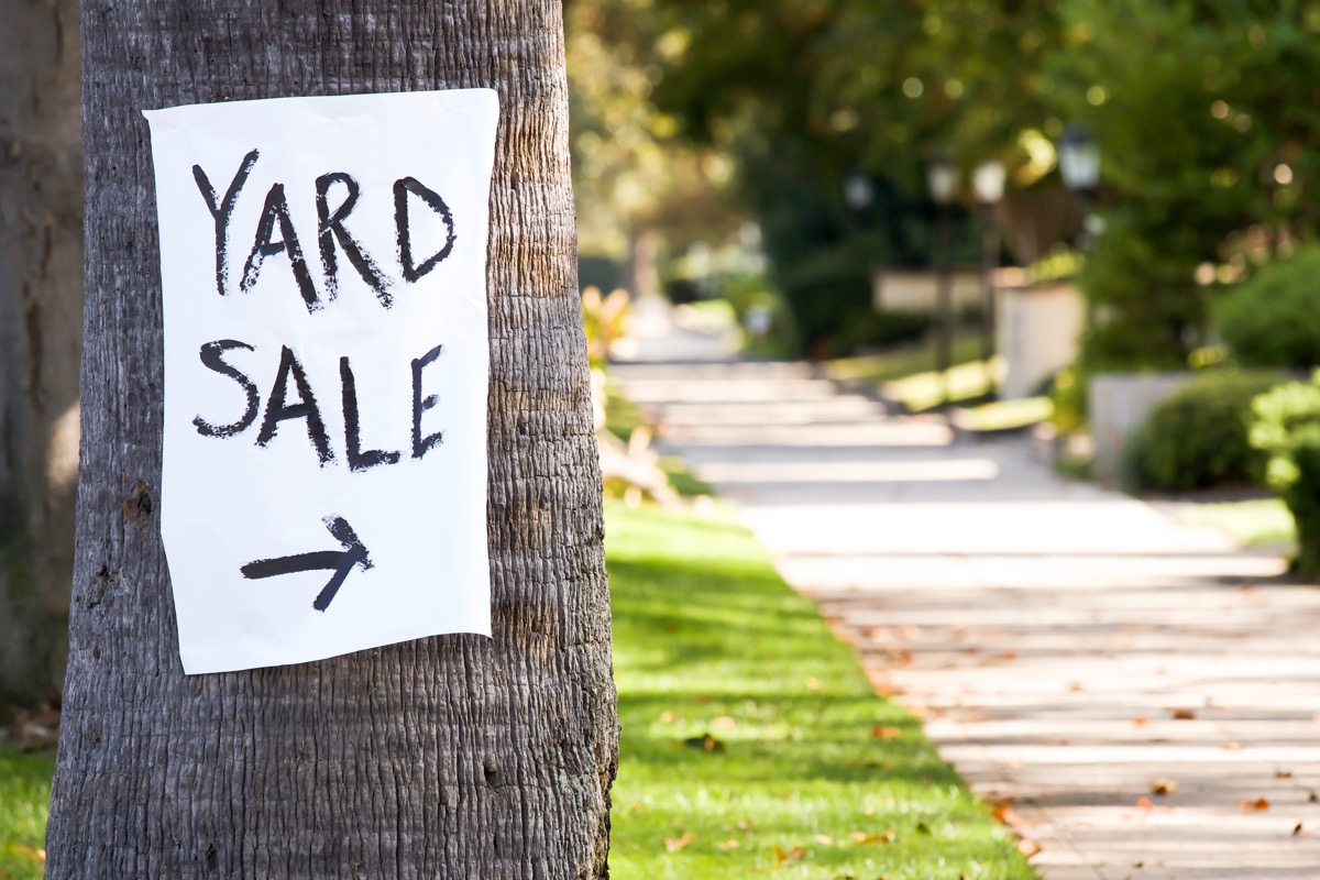 yard sale sign outside, getting rid of junk