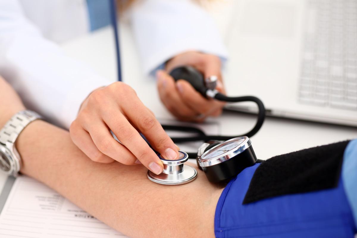measuring-blood-pressure