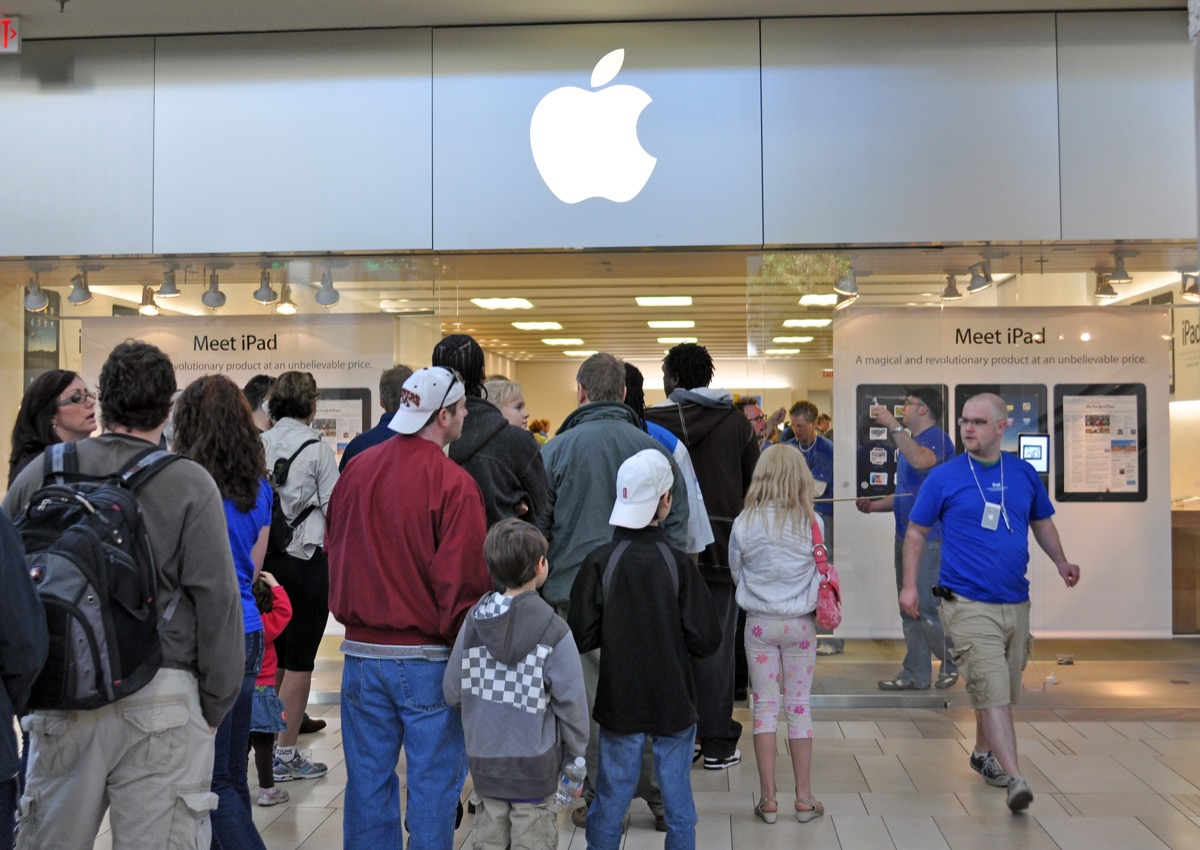 customers standing outside for the release of the first ipad