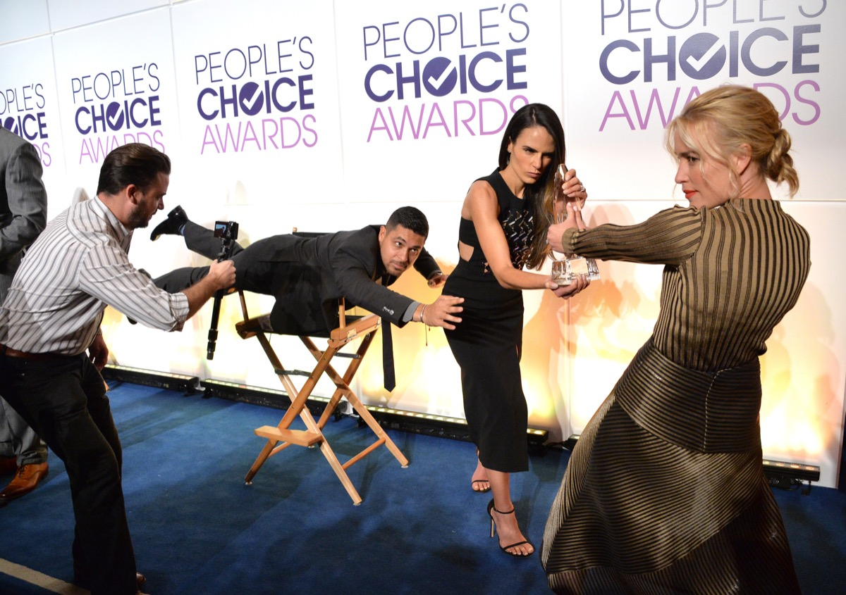 mannequin challenge at the people's choice awards