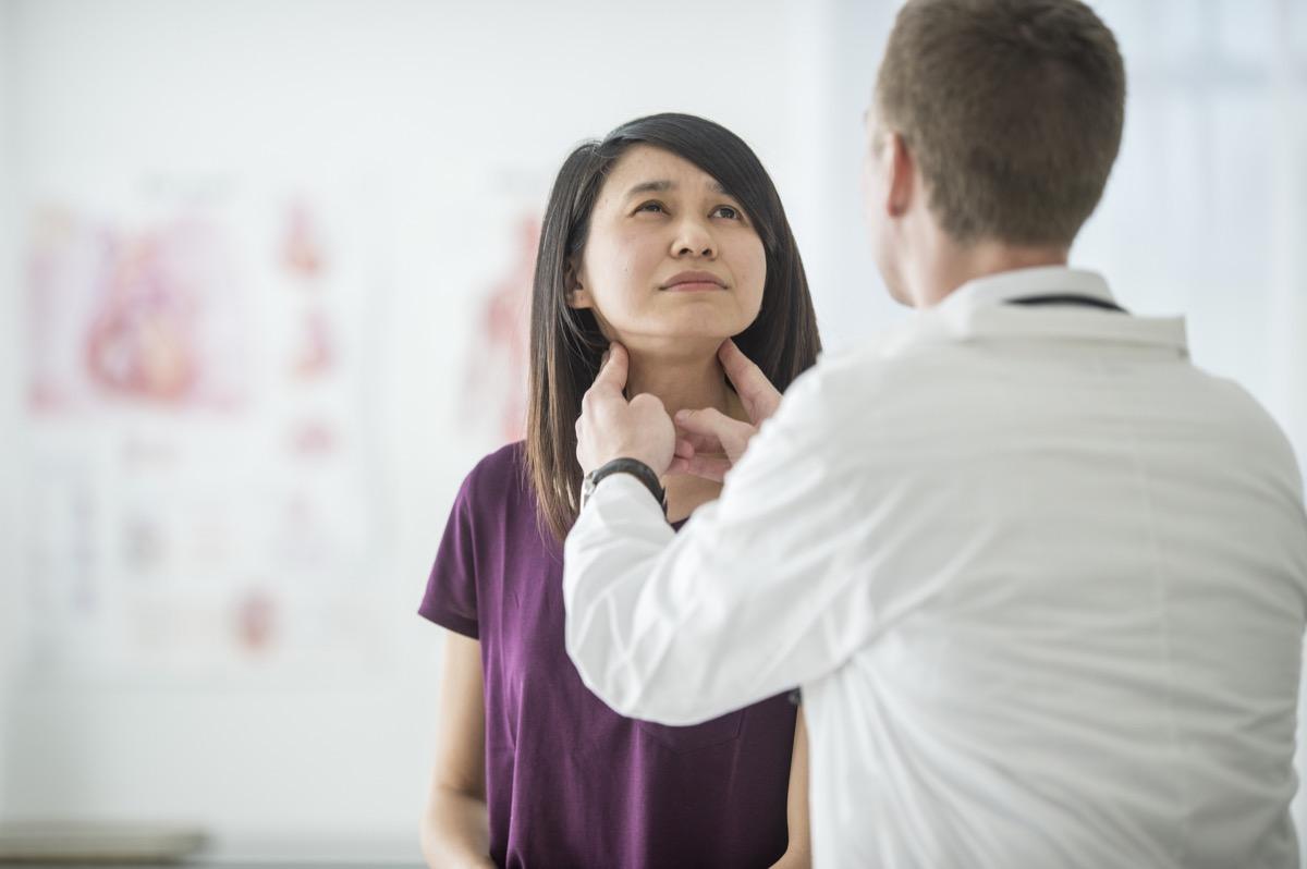 medical thyroid exam