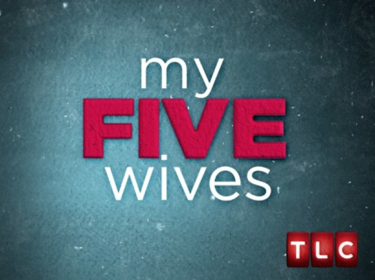 """the words """"my five wives"""" in front of gray background"""