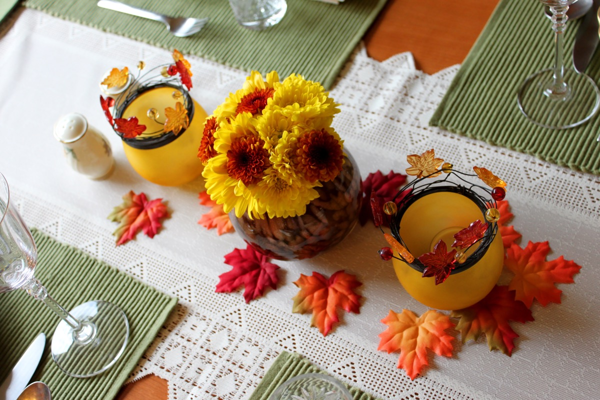 orange and yellow thanksgiving table centerpiece