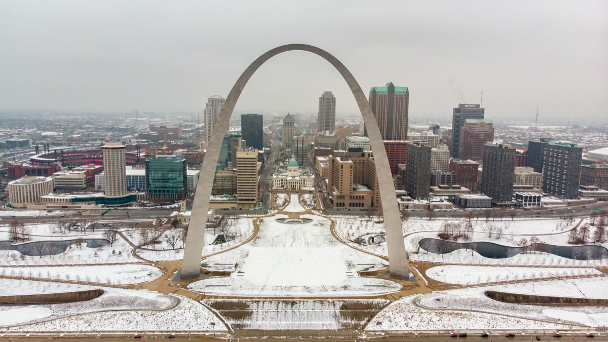 Saint Louis Missouri arch covered in snow in the winter