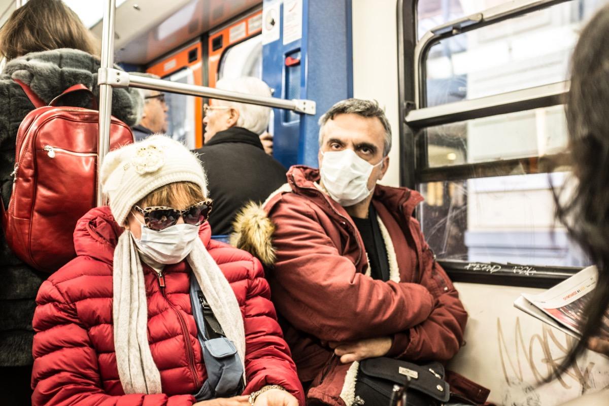 swineflu masks on public transport