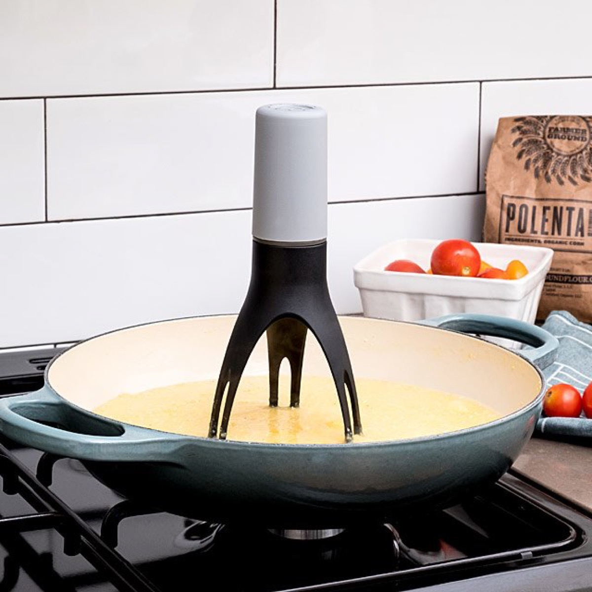 pan with automatic stirrer