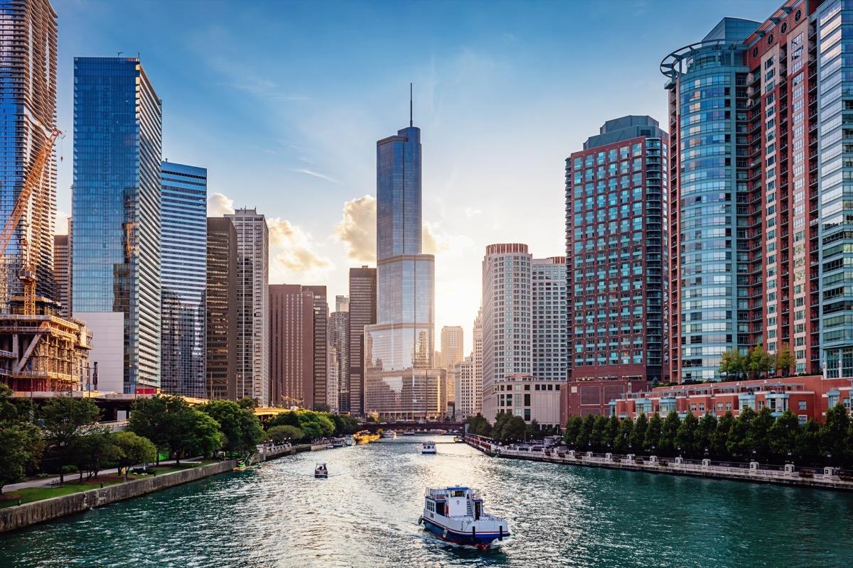 chicago cityscape over the river