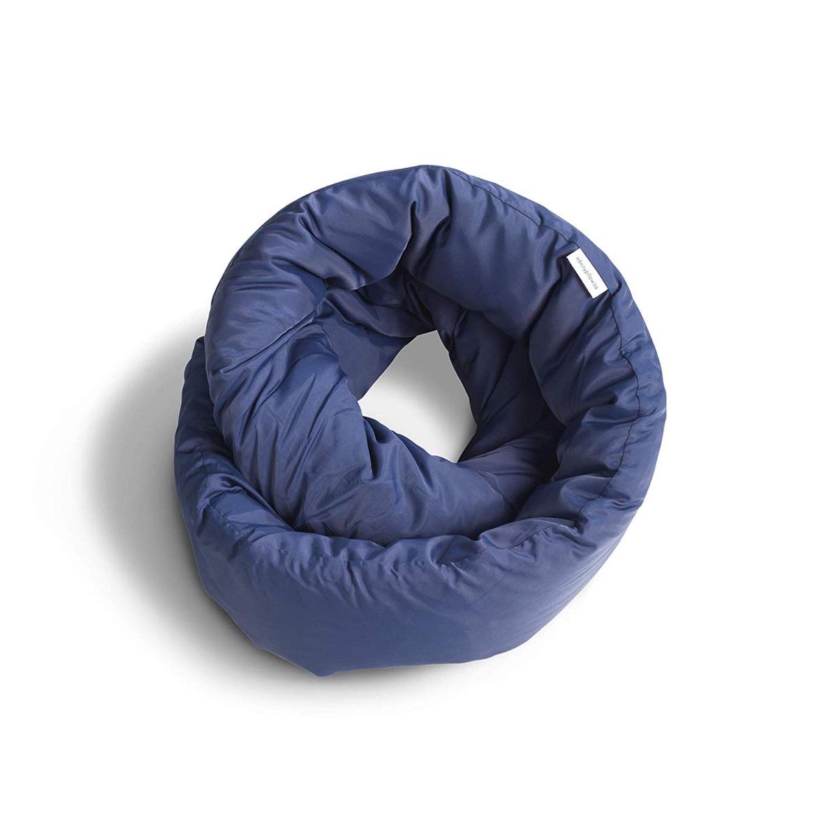 huzi blue infinity pillow