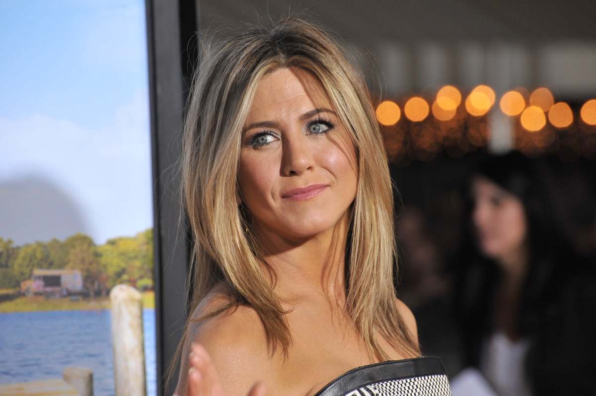 jennifer aniston on the red carpet in 2019