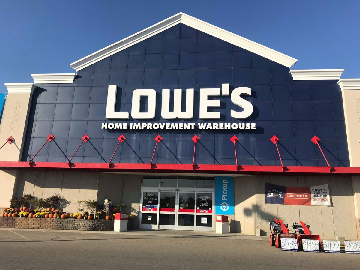 lowe's store entrance