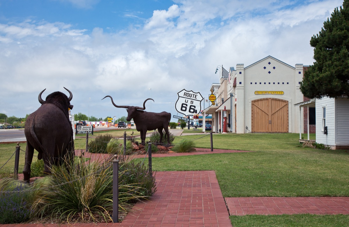 U.S.A. Oklahoma, Elk City, shops on the Route 66