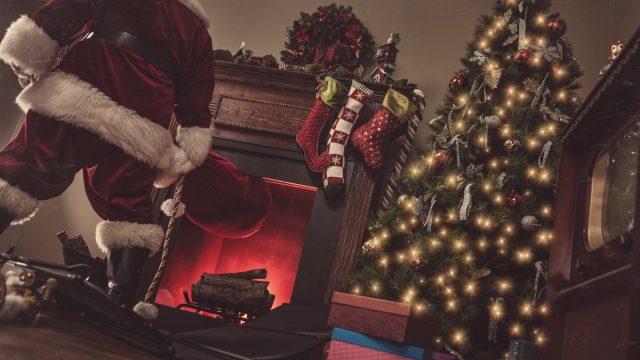 santa claus coming down the chimney
