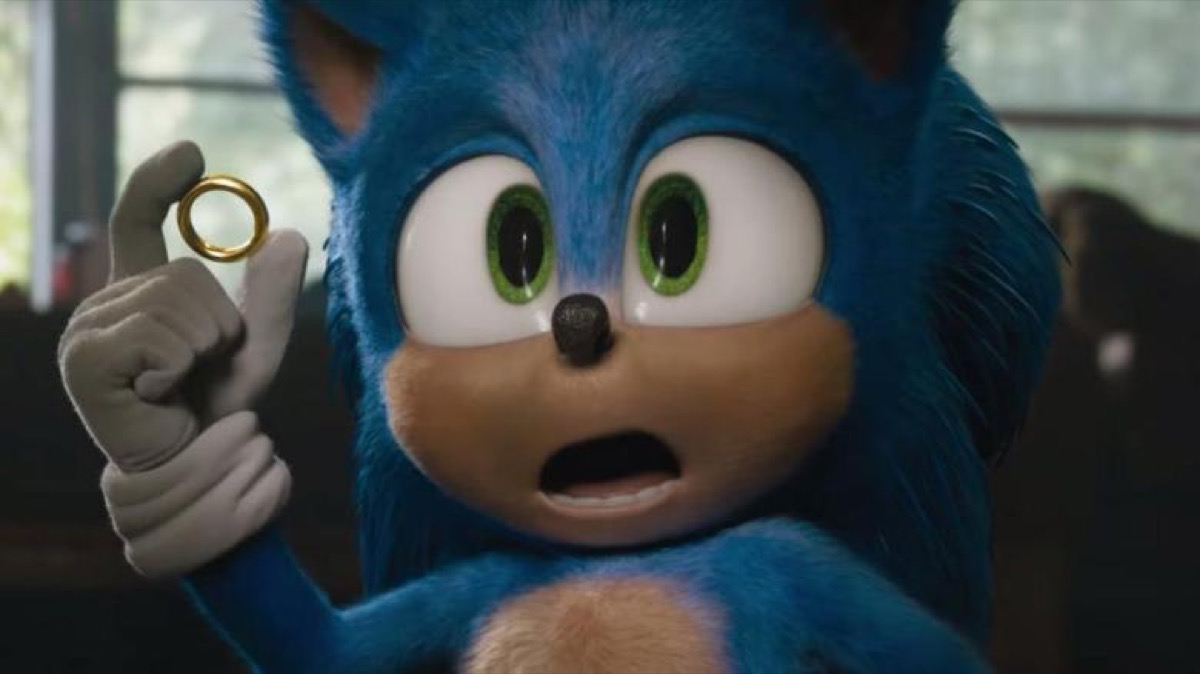 sonic holding a gold ring in the movie sonic the hedgehog