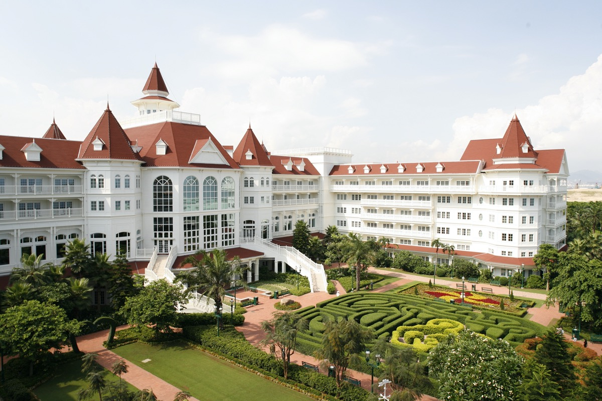 overview of the hong kong disneyland hotel and garden