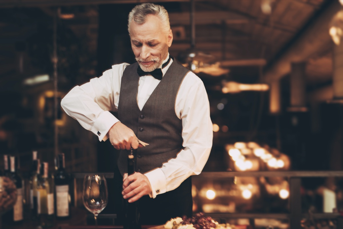 concierge champagne expert