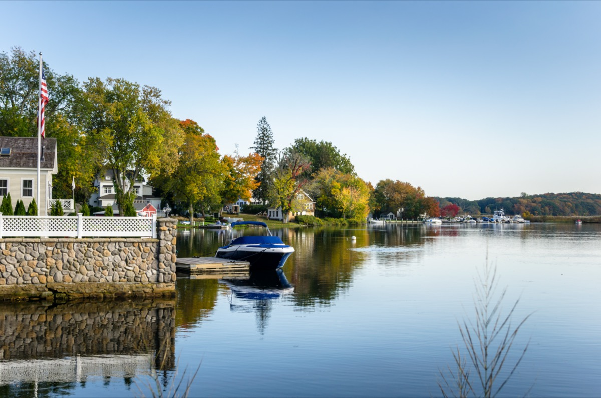 boats on the connecticut river