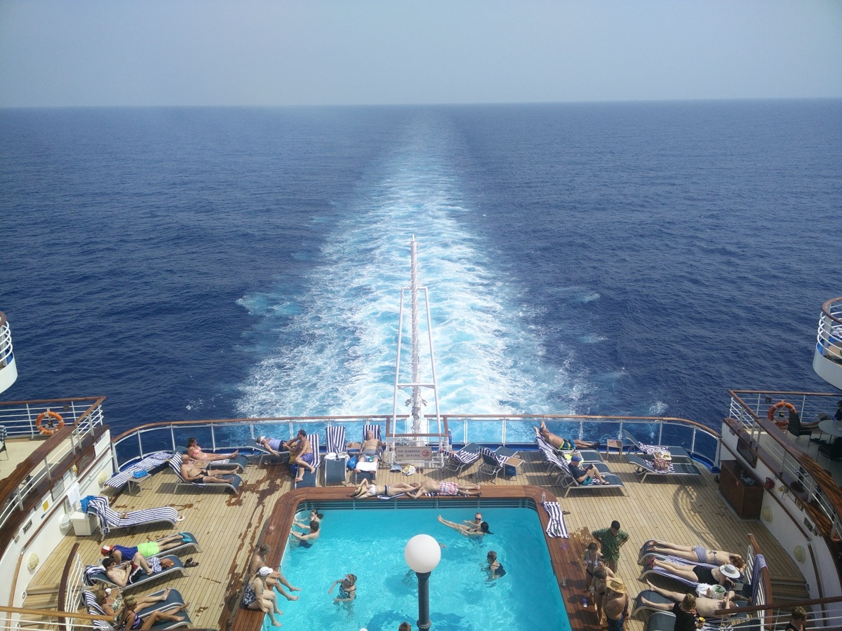 overview of the back of cruise