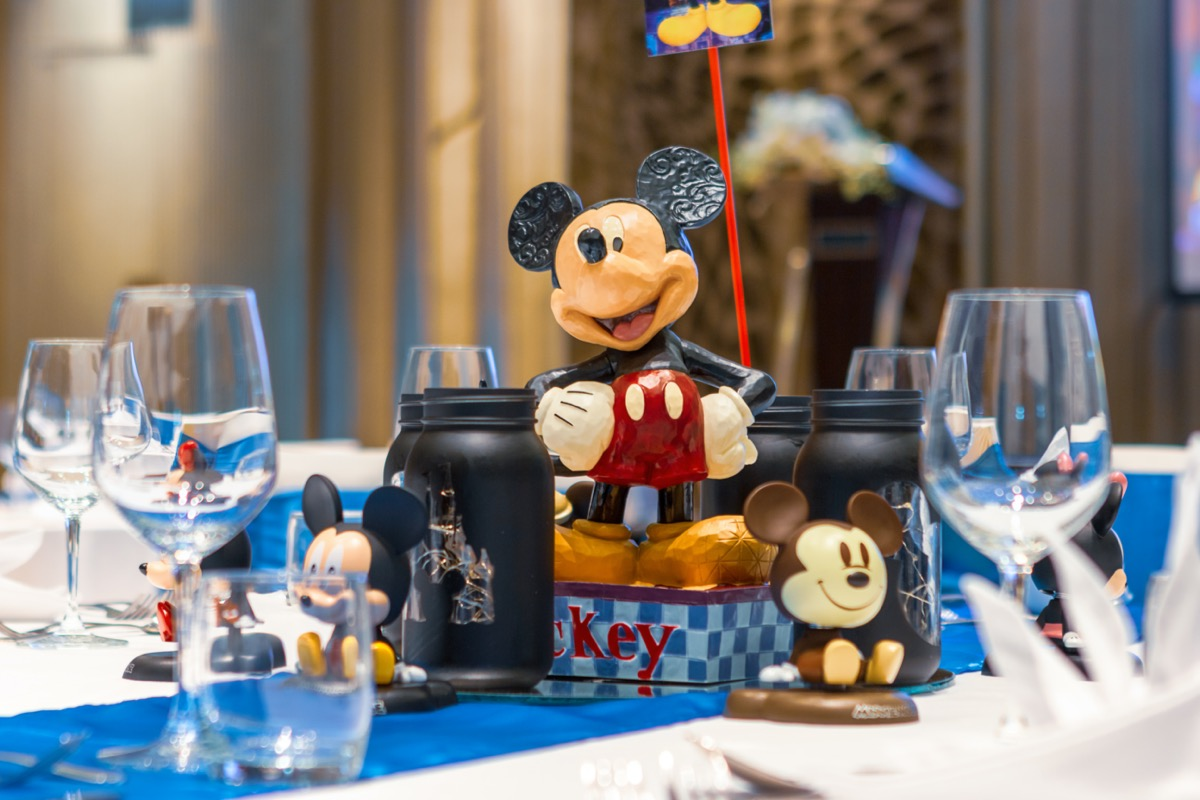 mickey mouse table decorations for dinner