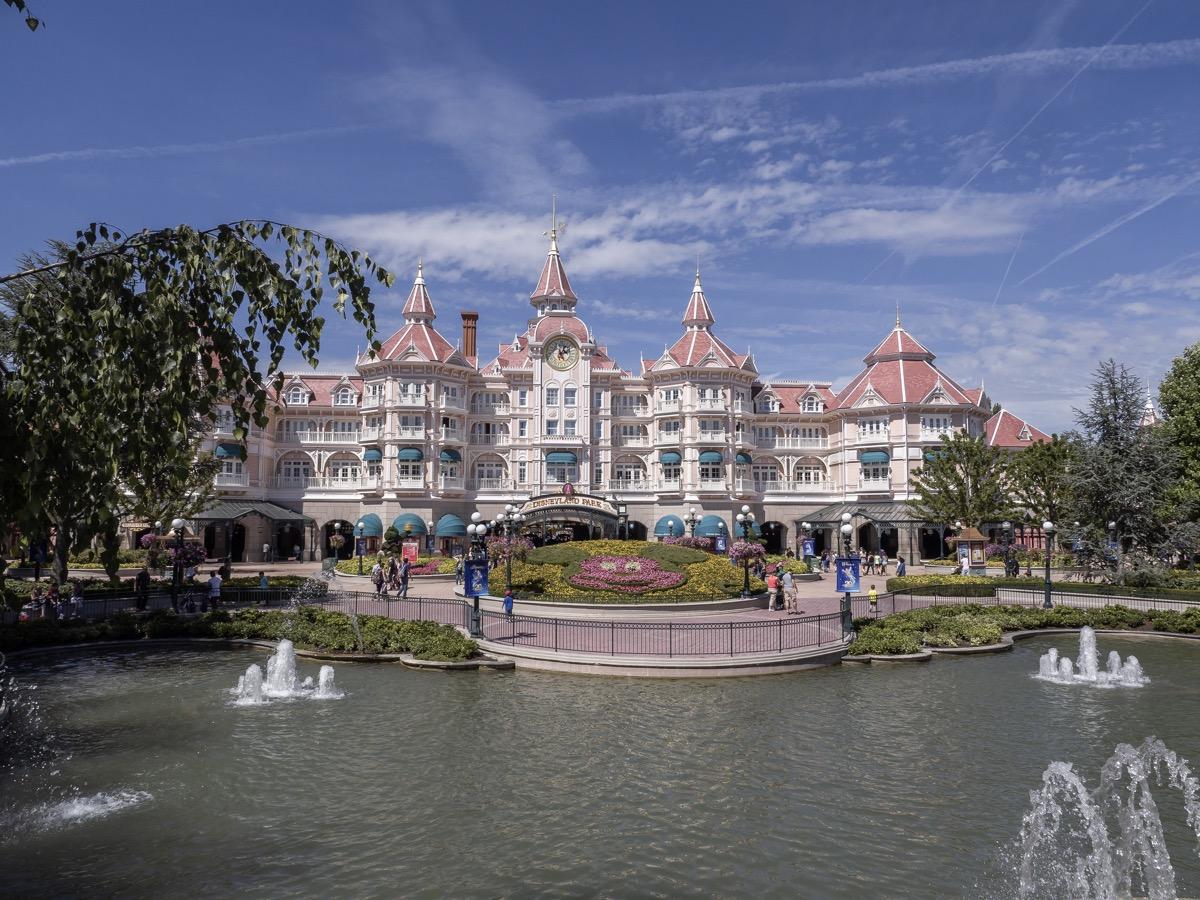 disneyland hotel paris from across the pond