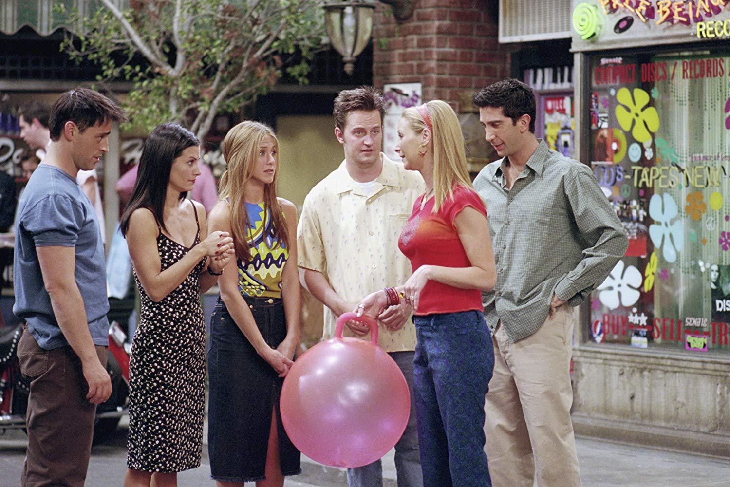 Matt LeBlanc, Courtney Cox, Jennifer Aniston, Matthew Perry, Lisa Kudrow, and David Schwimmer in Friends
