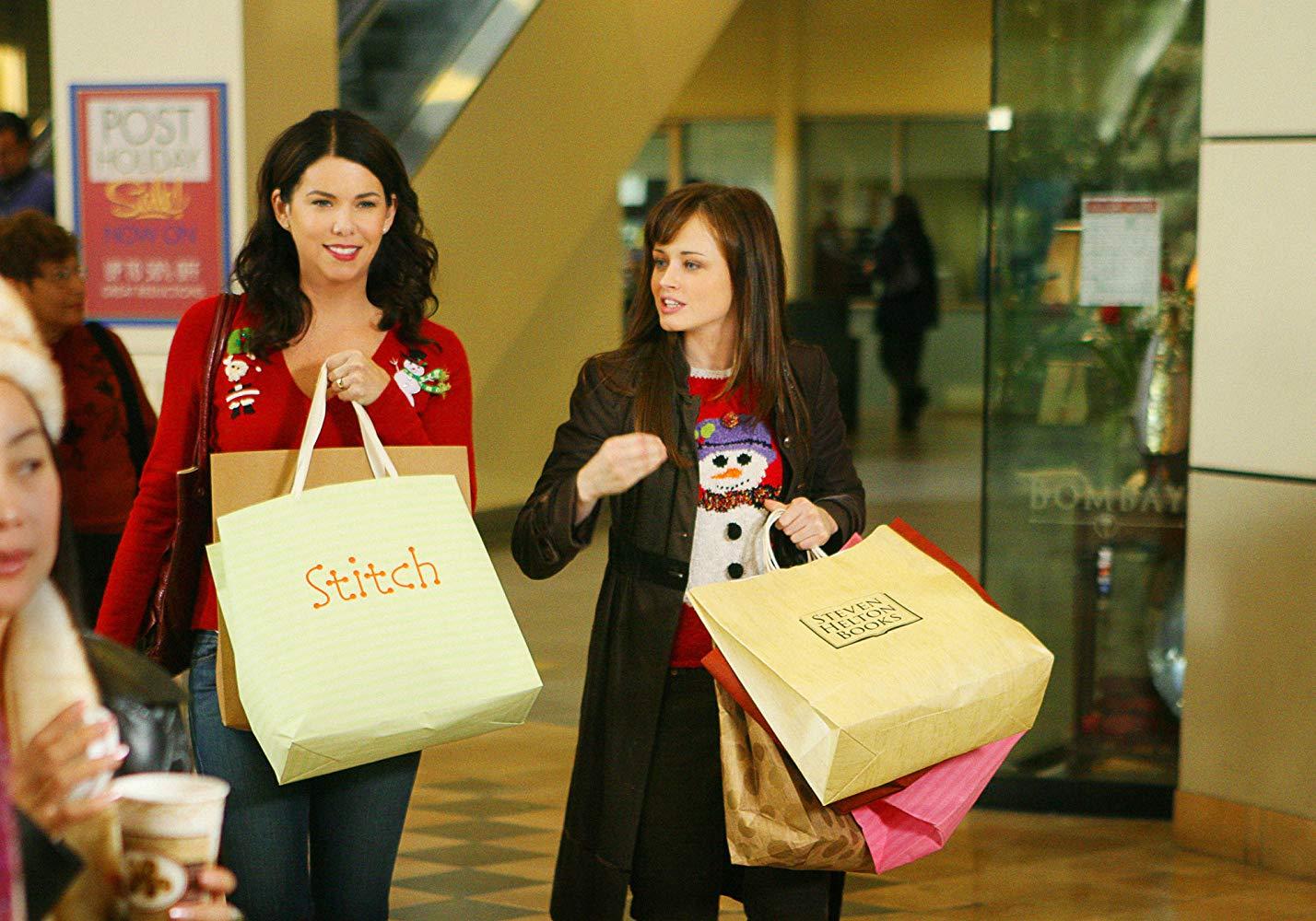 Lauren Graham and Alexis Bledel in Gilmore Girls