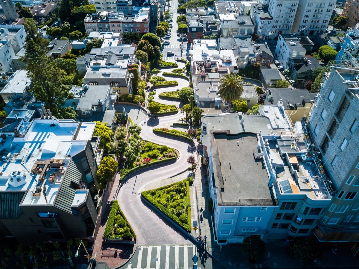 historic windy street road lombard street san francisco california