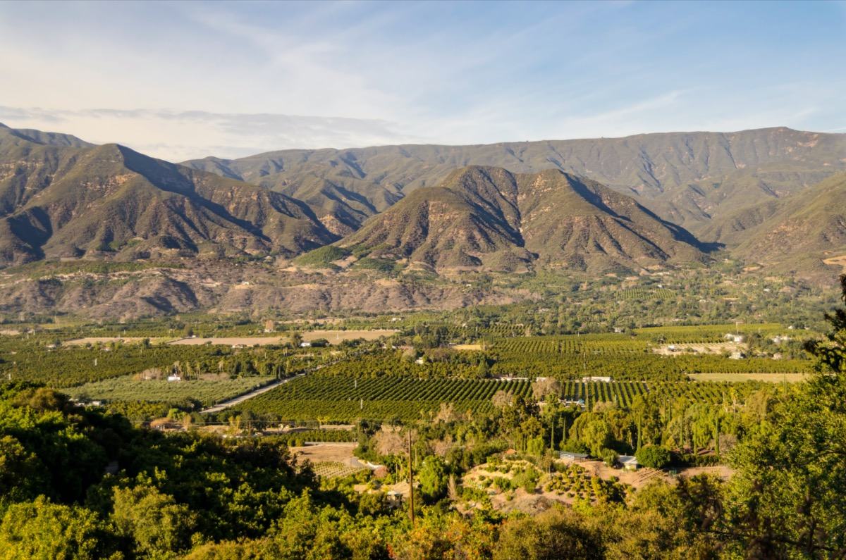 overview of mountain town in california