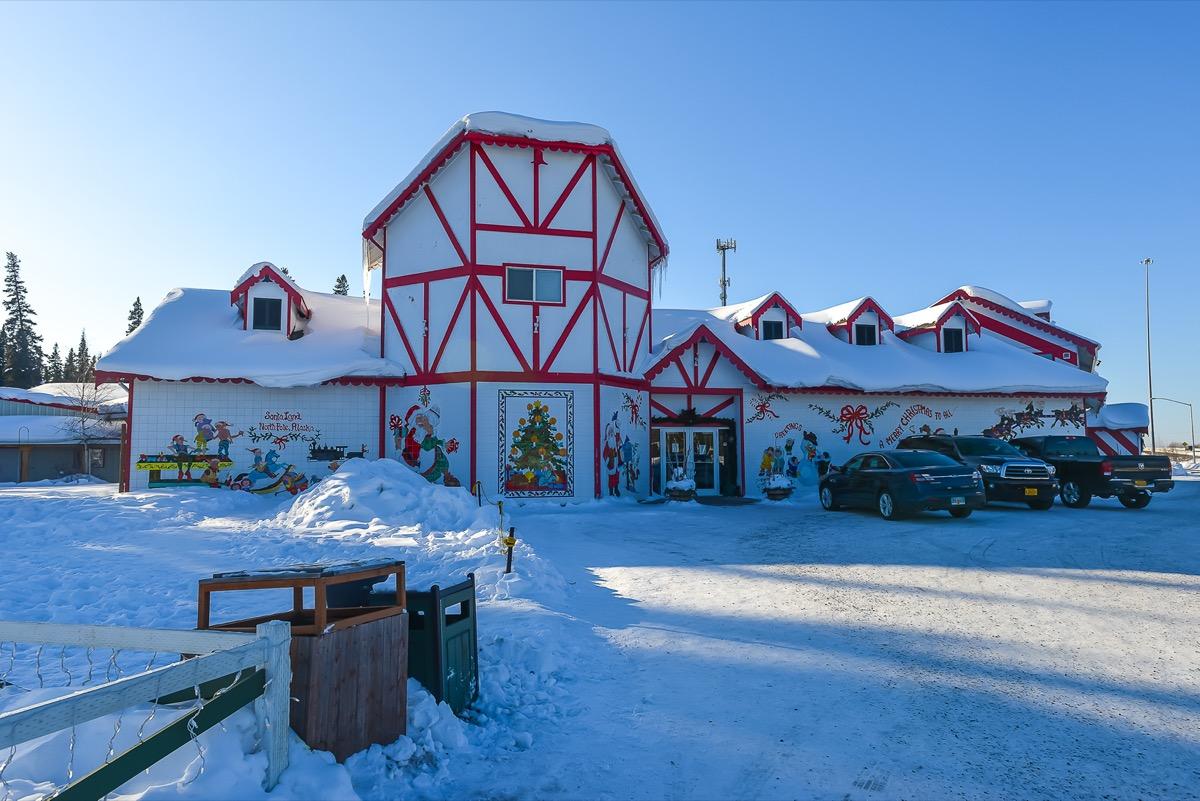 santa's house in north pole alaska