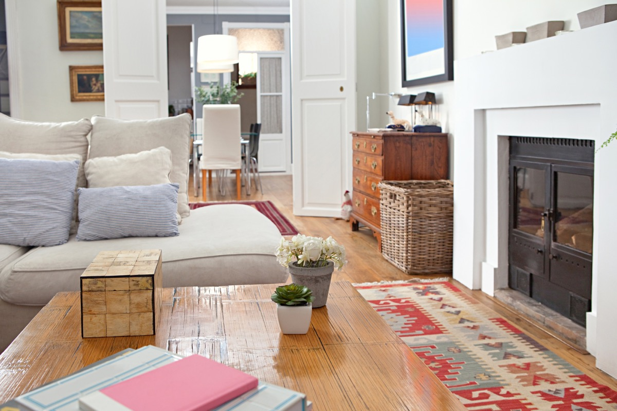 Warm and welcoming living room design