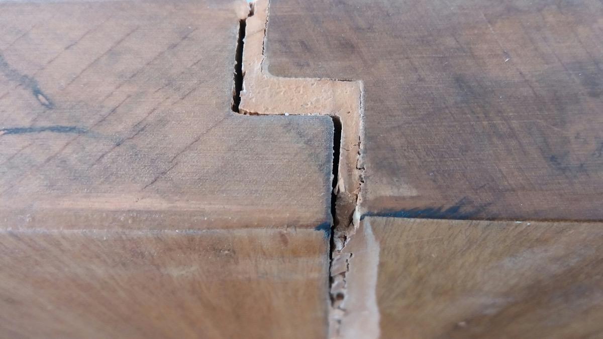 wood filler between boards