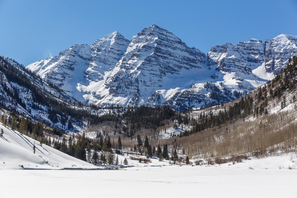 Aspen snowy mountain range overview
