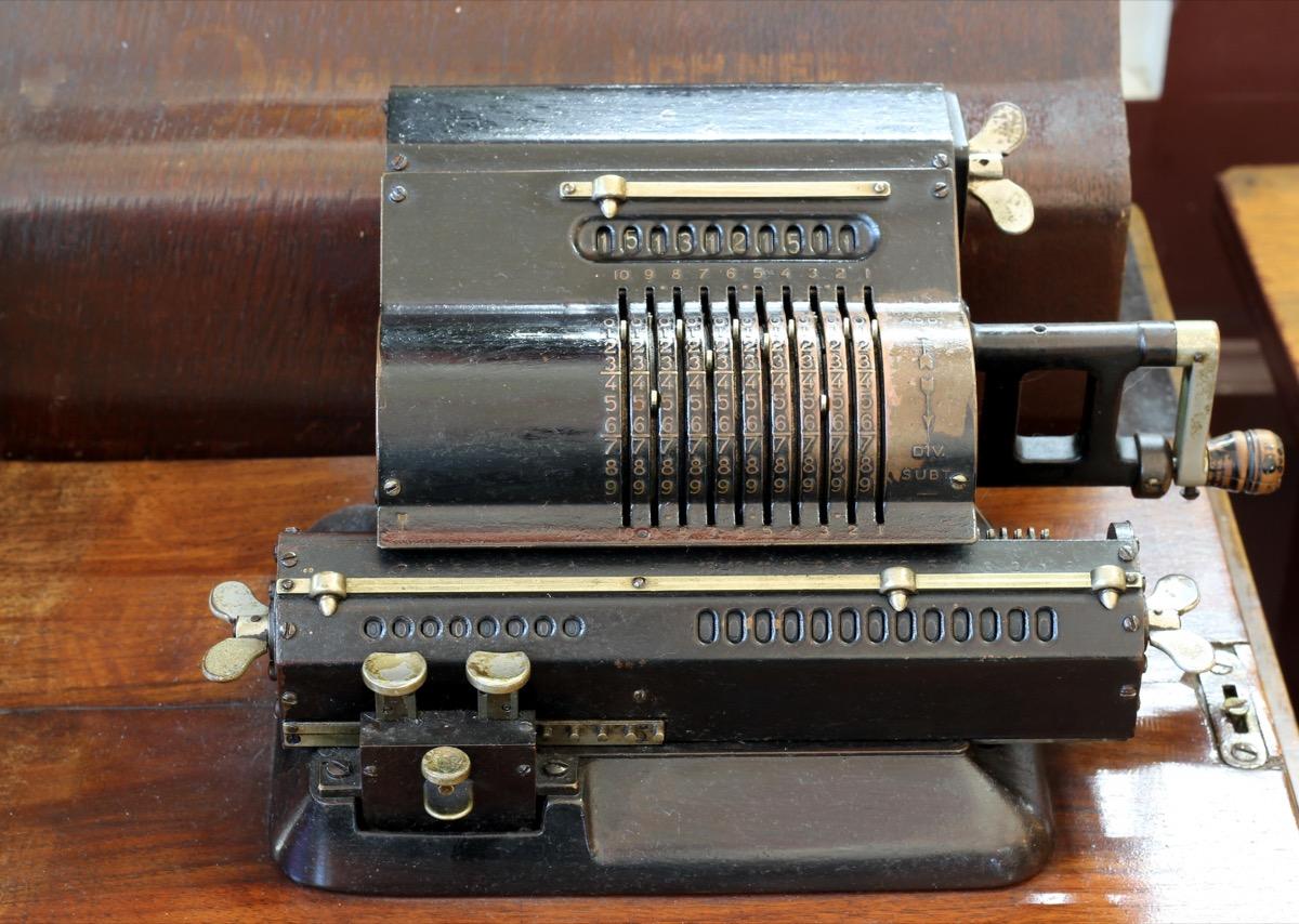 old fashioned calculator