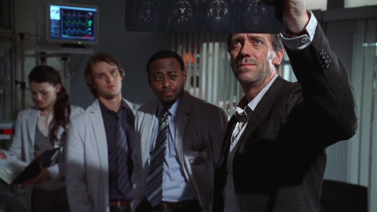 house scene with dr. house played by hugh laurie