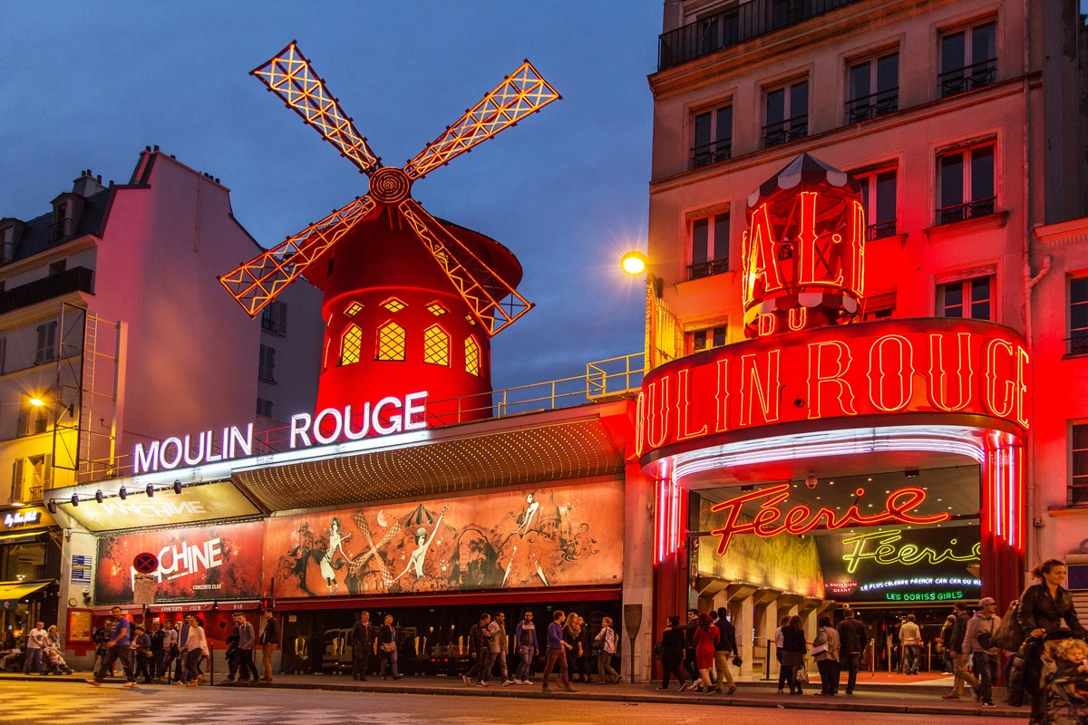 the moulin rouge frontview