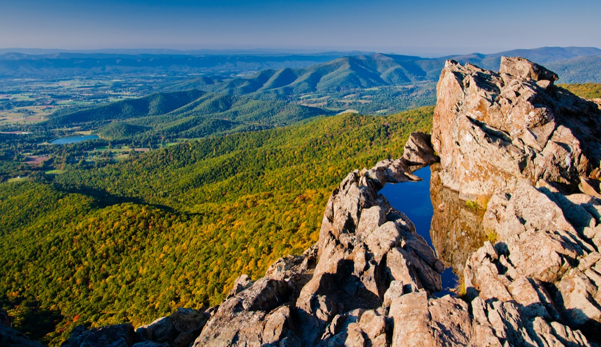 view from top of blue ridge mountains in shenandoah national park